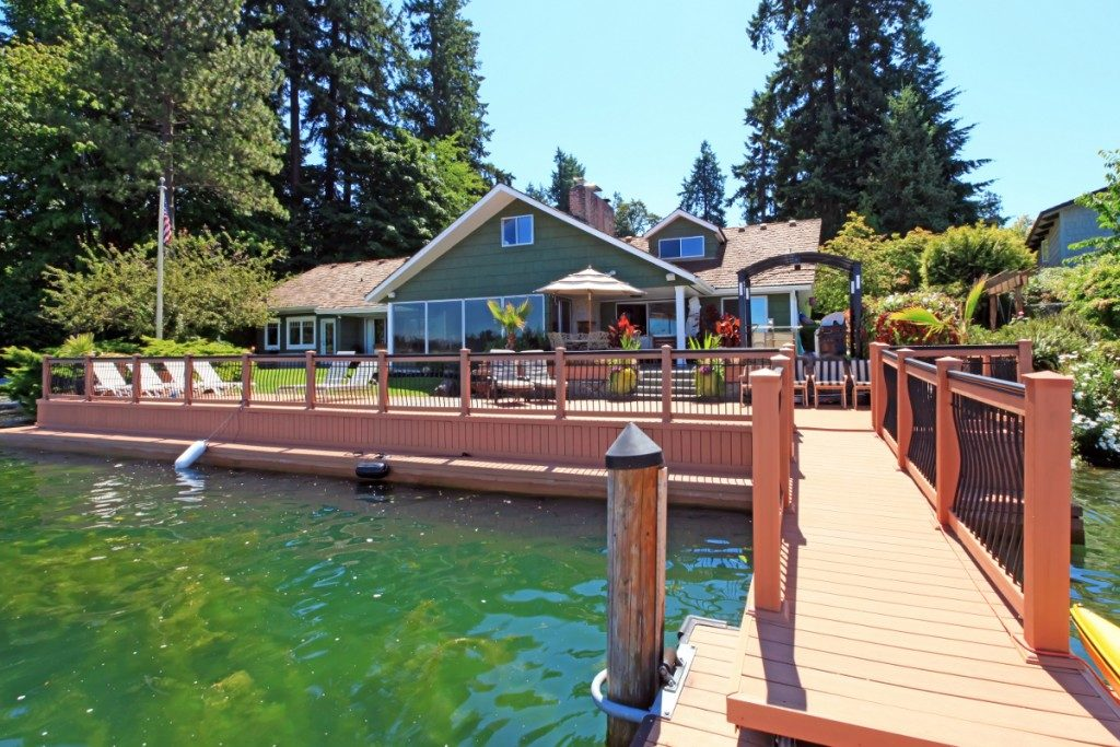 Lake house top 10 tips on waterfront property buying