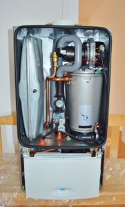 gas fired water heater unit with tank