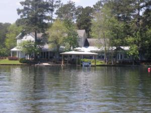 Lake Martin furnished lake home