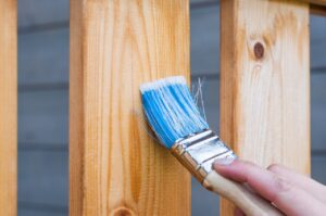 applying wood sealant