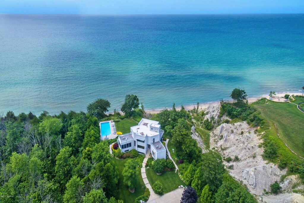 the most luxurious homes on lake michigan the most luxurious homes on lake michigan