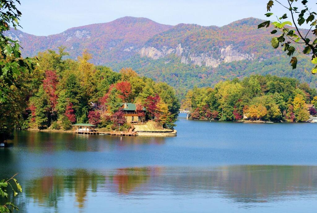 asheville north carolina lake