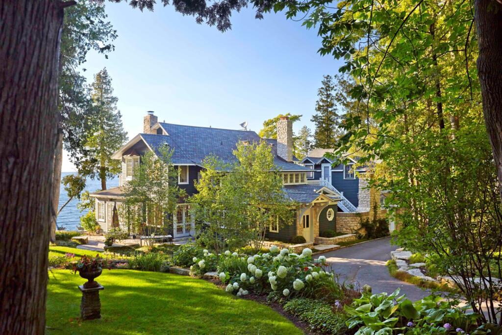 Door County, Wisconsin lake house landscaping