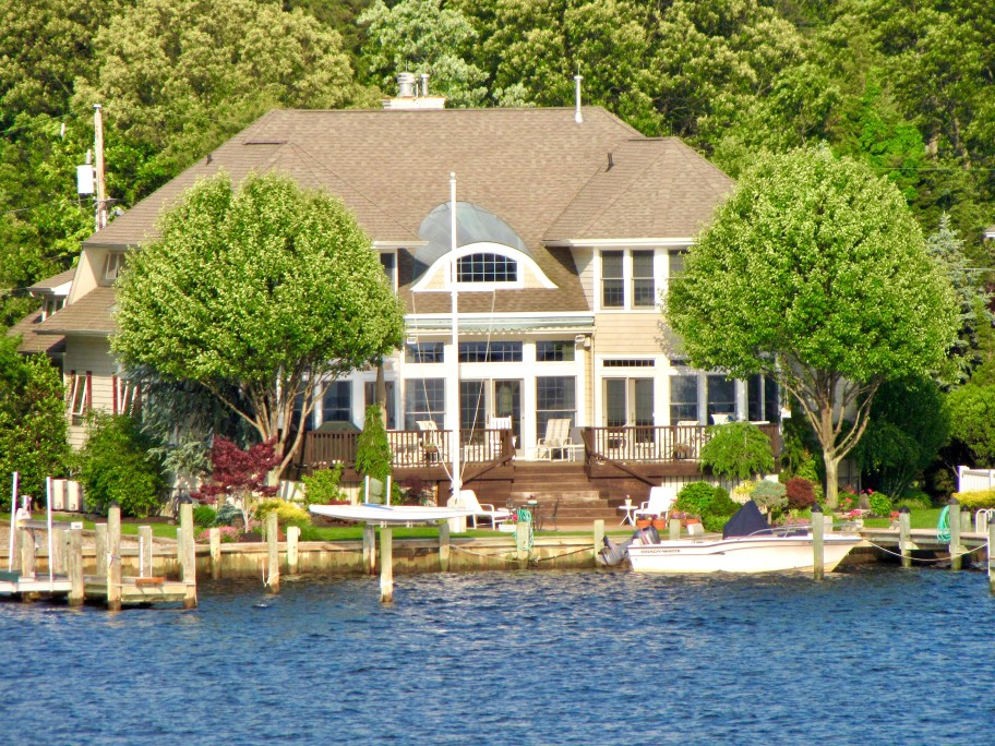 Luxury lake home owning a lake home