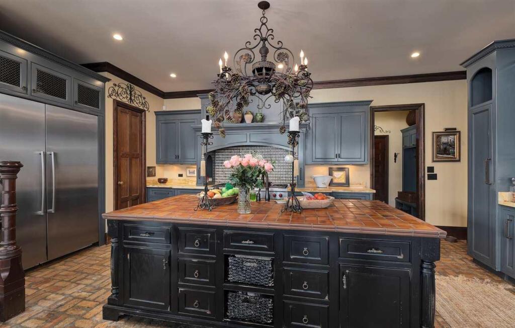 Gourmet kitchen lake house