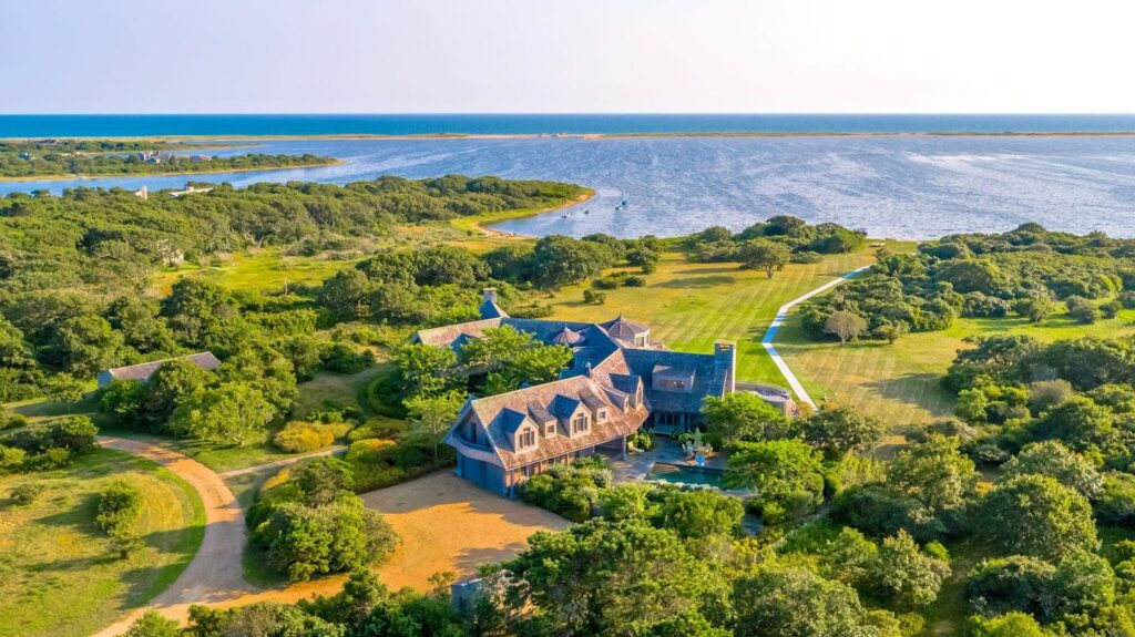 Former President Barack Obama's newly purchased home in Martha's Vineyard