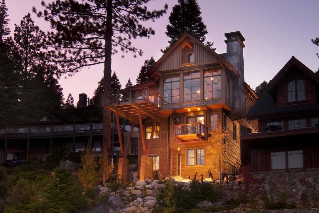 Narrow lot cabin architecture