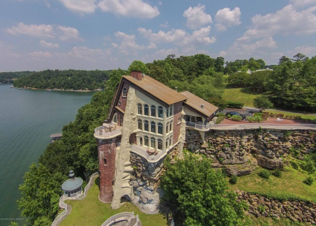 lewis smith lake castle home lake house for sale mr. smith lake justin dyar