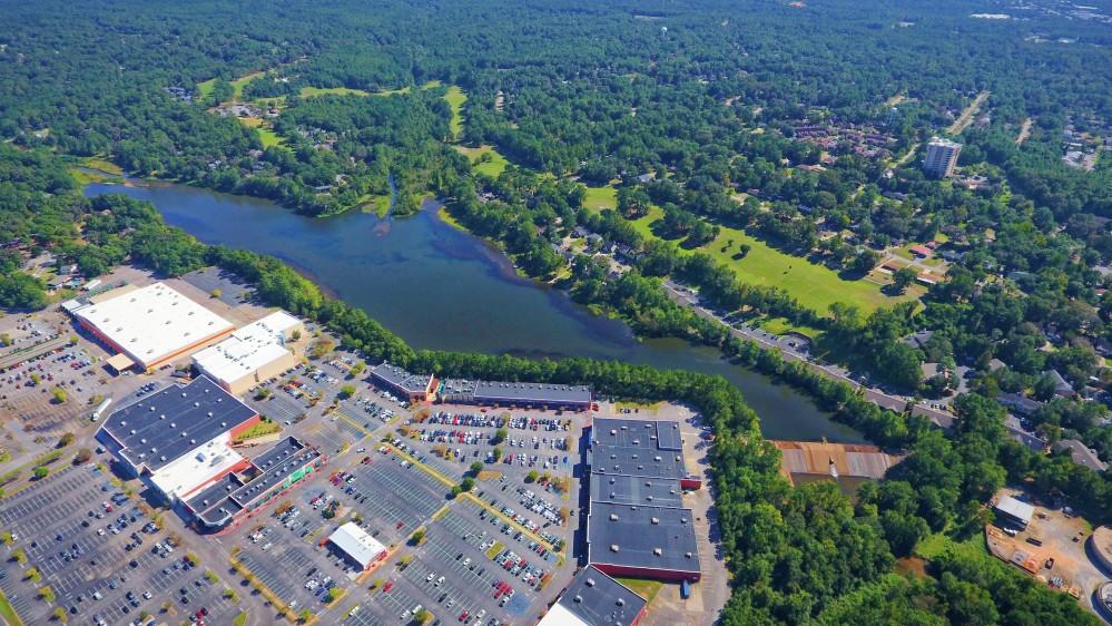 choosing a lake home - waterfront community