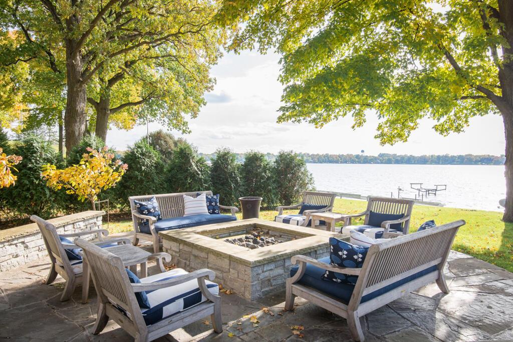 navy and white coastal theme - outdoor furniture decor inspiration lake house