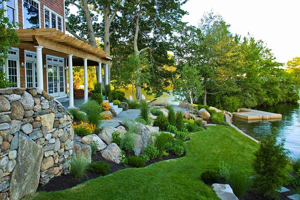 Low Maintenance Landscaping Tips For Your Lake House